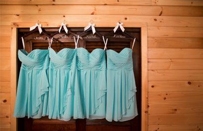 hanging_dresses